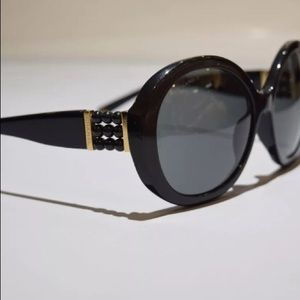 CHANEL perle collection sunglasses